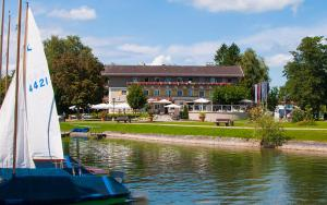 Hotel Schlossblick Chiemsee, Hotels  Prien am Chiemsee - big - 22