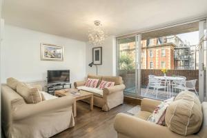 Three Bedroom Apt in Central London