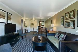 Oxford Suites Yakima