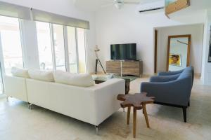 3BR / 3BA Modern Paradise Loft Condo in Gated Community w/ Daily, Sosúa