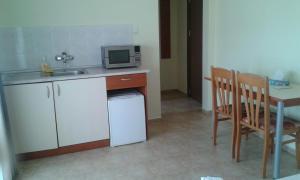 Zlatna Ribka, Hotely  Černomorec - big - 4