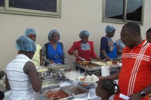 Atiwa Guesthouse, Bed and Breakfasts  Ashonman - big - 7