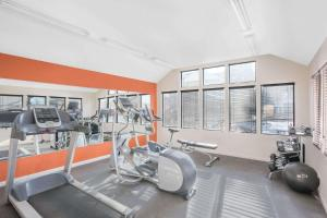 Hawthorn Suites by Wyndham Manchester Hartford, Hotels  Manchester - big - 22
