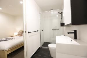 Self Service Apartment Free Parking+Wifi, Апартаменты  Мельбурн - big - 26