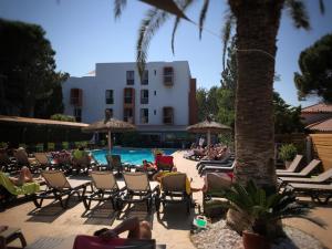 Hotel Aquarius 3 Etoiles A Canet En Roussillon Avec Restaurant