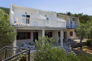 Apartments by the sea Zuronja (Peljesac) - 14095