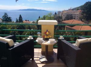 Apartments in Villa Meri Near Beach Near Milenij Hotel Opatija