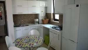 Cezar Apartment, Ferienwohnungen  Mamaia - big - 22