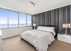 Espresso Apartments - St Kilda penthouse with panoramic Bay and City views, Apartmanok  Melbourne - big - 3