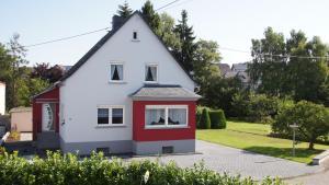 Ferienhaus am Flaumbach - Altlay