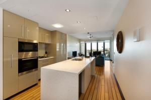 Boathouse Port of Airlie, Apartmány  Airlie Beach - big - 25