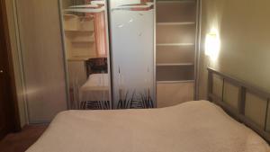 Квартира в Красноярске посуточно 2-х комнатная с большой летней лоджией - Industrial'nyy