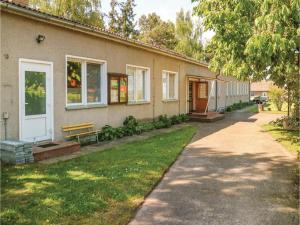 Ten-Bedroom Holiday Home in Bresewitz - Bresewitz