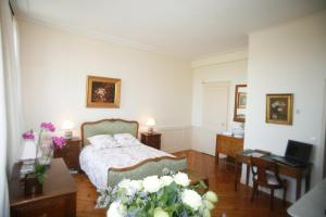 Chambres d'hotes Autour de la Rose, Bed and Breakfasts  Honfleur - big - 3