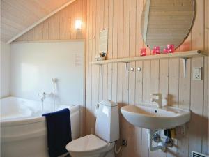 Holiday home Rauhesvej Hvide Sande V, Nyaralók  Bjerregård - big - 16