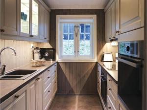 Five-Bedroom Holiday Home in Lillehammer, Holiday homes  Lillehammer - big - 17