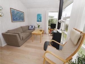 Two-Bedroom Holiday home Vejstrup with Sea View 08, Nyaralók  Vejstrup - big - 6