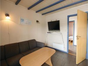 Two-Bedroom Apartment in Tjeldsto, Ferienwohnungen  Tjeldstø - big - 3