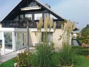 Two-Bedroom Apartment in Bad Pyrmont - Lichtenhagen