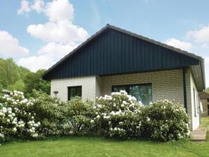 Two-Bedroom Holiday Home in Marienmunster - Höxter