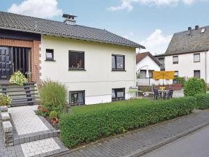 Holiday Apartment Horhausen 07 - Linkenbach