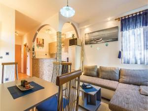 Two-Bedroom Apartment in Pula, 52100 Pula