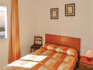 Three-Bedroom Holiday Home in Miami Playa, Holiday homes  Miami Platja - big - 14