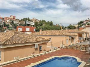 Four-Bedroom Holiday Home in Calafell, Ferienhäuser  Calafell - big - 26