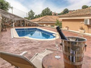 Four-Bedroom Holiday Home in Calafell, Ferienhäuser  Calafell - big - 24