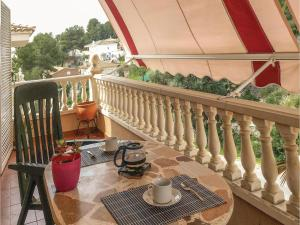 Four-Bedroom Holiday Home in Calafell, Ferienhäuser  Calafell - big - 25