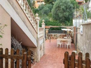 Four-Bedroom Holiday Home in Calafell, Ferienhäuser  Calafell - big - 21