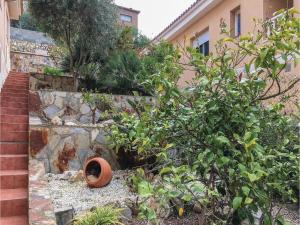 Four-Bedroom Holiday Home in Calafell, Ferienhäuser  Calafell - big - 22