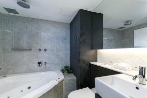 Clarion Hotel Soho (1 of 29)
