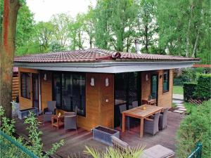 Two-Bedroom Holiday Home in Lanaken - Zutendaal