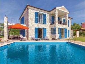 Five-Bedroom Holiday Home in Vilanija - Petrovija
