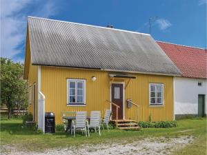Three-Bedroom Holiday Home in Katthammarsvik, Case vacanze - Katthammarsvik
