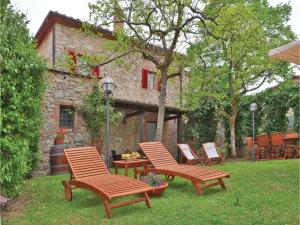 Three-Bedroom Holiday home with a Fireplace in Gaiole in Chianti SI, Dovolenkové domy  San Sano - big - 1