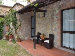 Three-Bedroom Holiday home with a Fireplace in Gaiole in Chianti SI, Dovolenkové domy  San Sano - big - 14