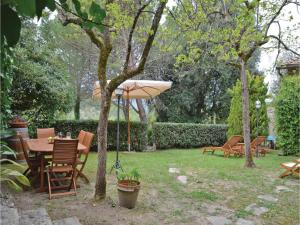 Three-Bedroom Holiday home with a Fireplace in Gaiole in Chianti SI, Dovolenkové domy  San Sano - big - 13