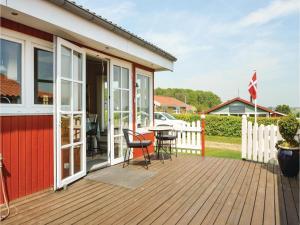 Three-Bedroom Holiday Home in Bjert, Nyaralók  Sønder Bjert - big - 17
