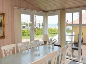 Three-Bedroom Holiday Home in Bjert, Holiday homes  Sønder Bjert - big - 7