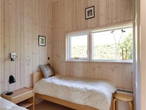 Two-Bedroom Holiday Home in Bjert, Dovolenkové domy  Sønder Bjert - big - 9