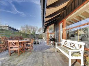 Three-Bedroom Holiday home Bjert with Sea View 08, Case vacanze  Sønder Bjert - big - 24
