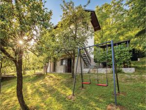 Three-Bedroom Holiday Home in Ogulin - Trošmarija