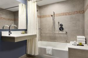 Doubletree Suites Boston-Cambridge (22 of 50)