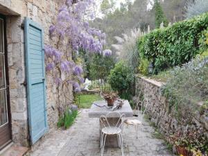 Three-Bedroom Holiday home with a Fireplace in La Roquette sur Siagne