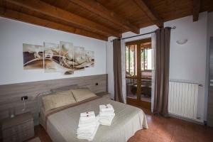 Laura's Holiday House on Como Lake, Ferienhäuser  Valbrona - big - 64