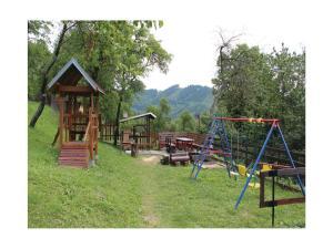 Holiday home Velka Rovne, Holiday homes  Brtalovce - big - 48