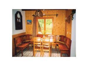 Holiday home Velka Rovne, Ferienhäuser  Brtalovce - big - 4