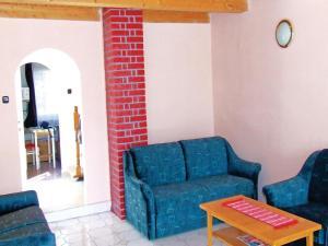 Holiday home Vasút utca-Balatonfenyves, Holiday homes  Balatonfenyves - big - 7